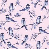 Sömlös modell med vattenfärgfåglar som sitter på filialer med blommor royaltyfri illustrationer