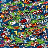 Sömlös modell på temat av fotboll Fotbollattribut, fotbolldiagram av olika lag på en blå bakgrund royaltyfri illustrationer