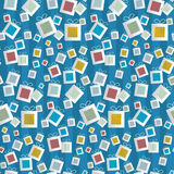 Sömlös modell. Pappers- gåvaaskar på blå bakgrund Royaltyfria Foton