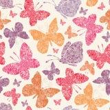 Sömlös modellbakgrund för blom- fjärilar Royaltyfri Bild