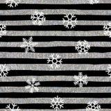 Sömlös snöflingamodell på randig bakgrund Royaltyfri Fotografi