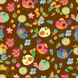 Sömlös tecknad filmbakgrund med färgfåglar Arkivbilder