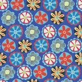 Sömlös vektorbakgrund för Retro blomma 60-tal blom- design för 70-tal Röda, blåa och gula klotterblommor på en blå bakgrund royaltyfri illustrationer