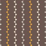 Sömlös vektorhöstmodell Den gula och gråa lodlinjen fattar på brun bakgrund Hand dragen abstrakt filialtextur Royaltyfria Foton