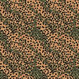 Sömlös vektormodell med prickar som imiterar trycket för djur hud royaltyfri illustrationer