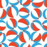 Sömlös vektormodell med röda, vit- och blåttstrandbollar stock illustrationer