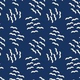 Sömlös vektormodellflock av blåa vita fåglar vektor illustrationer