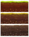 Sömlösa jordlager I lager smutslera, jordningslager med stenar och gräs på modell för vektor för smutsklippatextur royaltyfri illustrationer