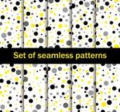 Sömlösa modeller med cirklar Svärta och gulna färg, samlingen av tio bakgrunder vektor Fotografering för Bildbyråer