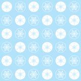 Sömlösa modellsnöflingor för jul på en blå bakgrund, pastellfärgade färger Royaltyfria Bilder