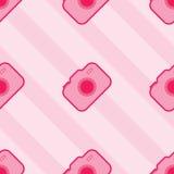 Sömlösa rosa Toy Camera Pattern Arkivfoton