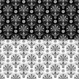 Sömlösa svartvita modeller med olika nyckfulla blommor royaltyfri illustrationer