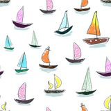 Sömlöst behandla som ett barn ungemodellhanden som drar den färgrika yachtvektorn Många litet kulört seglar fartyg på vit bakgrun Arkivbild