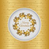 Sömlöst kort för jul med järnekkransen, guld Arkivbilder