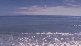 Sömlöst kretsat blekt - blå video för havsbakgrundslängd i fot räknat arkivfilmer