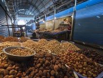 söndag marknad i Bishkek Arkivbilder