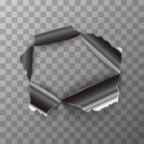 Sönderrivet hål i glansig metallplatta på genomskinlig bakgrund Arkivfoton