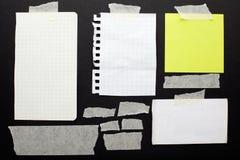 Sönderrivna pappers- rester uppsättning och band Arkivbilder