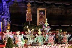 Sörjande ceremoni för Chedi Luang tempelpatriark Arkivfoton