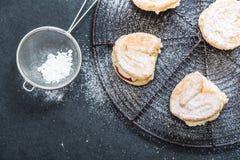 Söt bakelse som överträffas med socker Royaltyfri Fotografi