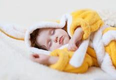 Söt dröm av liten flicka Arkivfoto