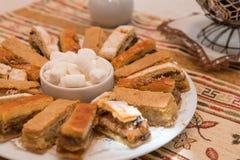 Söt godis som göras från mjöl och socker (parvardaen) Fotografering för Bildbyråer