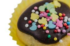 Söt kaka för påsk i glasyr Arkivbild