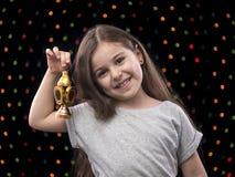 Söt liten flicka med Ramadan Lantern royaltyfri bild