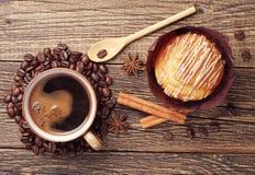 Söt muffin och kaffe Royaltyfria Bilder