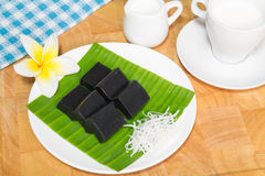 Söt puddingefterrätt för svart kokosnöt Arkivfoto