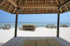 Söt sikt från en Tiki Hut Fotografering för Bildbyråer