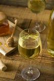 Söta gula Honey Wine Meade Arkivbilder