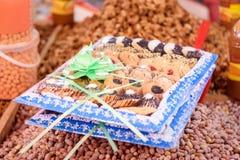 Söta kakor på marknad i Marocko Fotografering för Bildbyråer