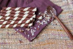 Söta mellanmål på servett, söta bakgrunder Royaltyfria Bilder