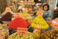 SÖTSAKER FÖR ASIEN THAILAND AYUTHAYA MARKNADSFRUKTER Arkivbilder