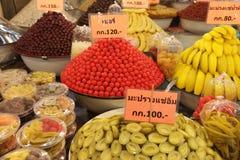 SÖTSAKER FÖR ASIEN THAILAND AYUTHAYA MARKNADSFRUKTER Arkivfoton