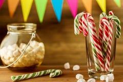 Sötsaker för jul greeting lyckligt nytt år för 2007 kort Godisrottingar och marshmallow Royaltyfria Foton