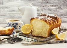 Sött bröd för citron arkivbilder