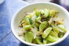 Sött och surt som stekas med grönsaker royaltyfri foto