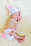 Sött sova som är nyfött Fotografering för Bildbyråer