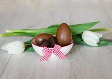 sött traditionella chokladeaster ägg Royaltyfria Bilder