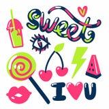 Süße Aufklebersüßigkeitsfrüchte und -text Stockfotos
