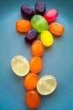 Süße Blume gemacht von den Süßigkeitslutschern Stockfoto