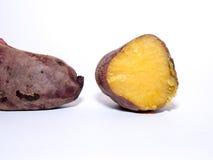 Süße Bratenkartoffel auf weißem Hintergrund, Jamswurzelbraten Lizenzfreie Stockfotografie