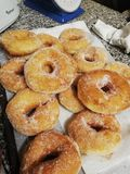 Süße Donuts Fatti Fritti stockfotos