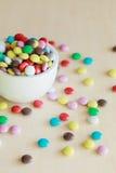 Süße Farbsüßigkeit auf dem Vase Stockbild