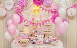 Süße Feiertagsbuffetauswahl von Bonbons stockfotografie