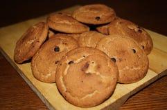 Süße Plätzchen mit Schokolade Lizenzfreie Stockfotos