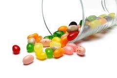 Süße Süßigkeitsgeleebonbons im Glas dieses bunt stockbilder