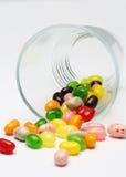 Süße Süßigkeitsgeleebonbons im Glas dieses bunt lizenzfreie stockbilder